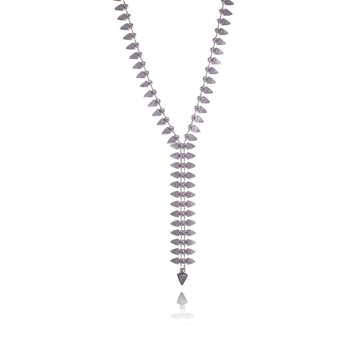 Éclair long necklace tie-shaped with silvered metal pieces with engravings