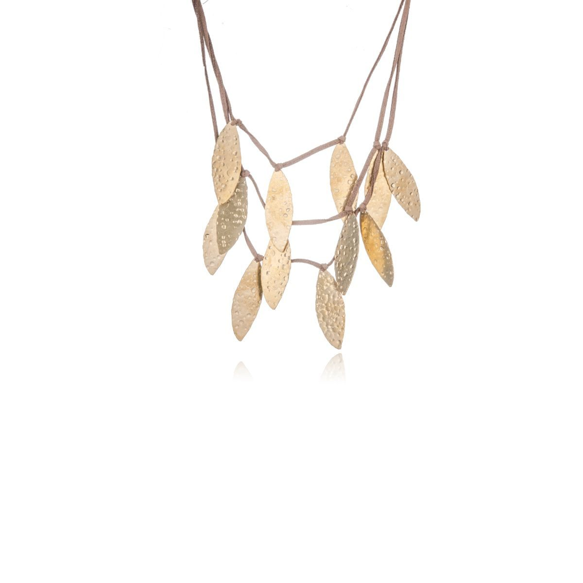 Short willow short necklace with three suede straps at different heights from which hang elongated gold-plated brass pieces