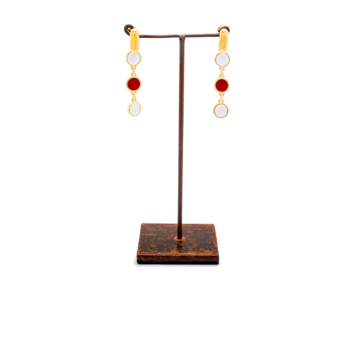 A Coruña long earring finished in gold with three chained multicolored lacquered pieces