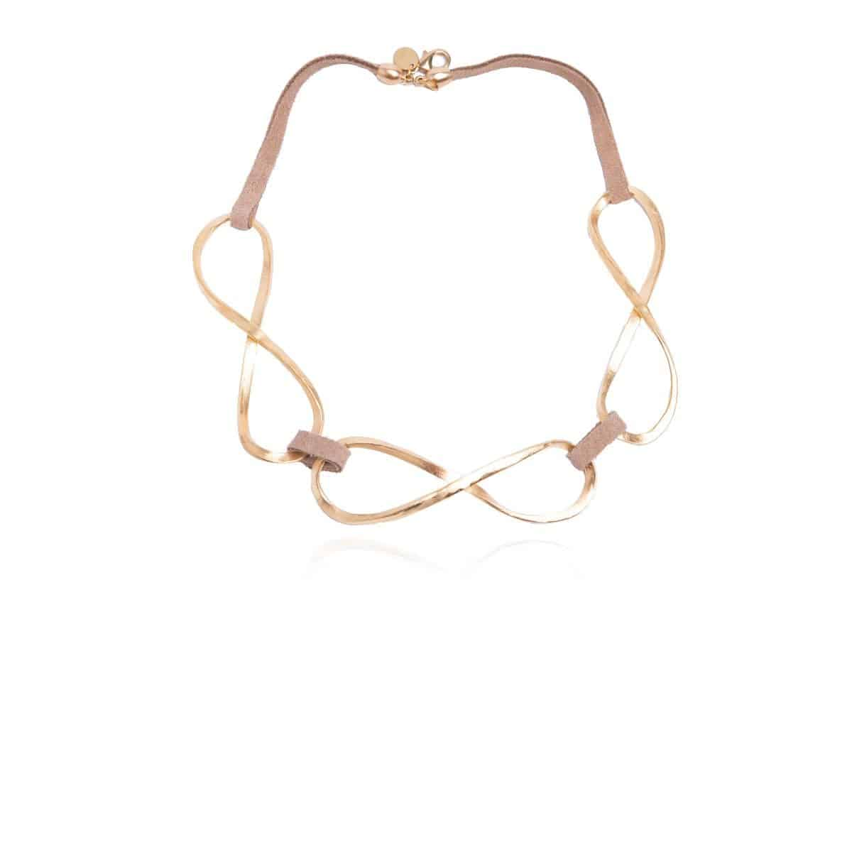 Infinity short camel leather necklace with three large metallic and gold-plated pieces in the shape of an infinity